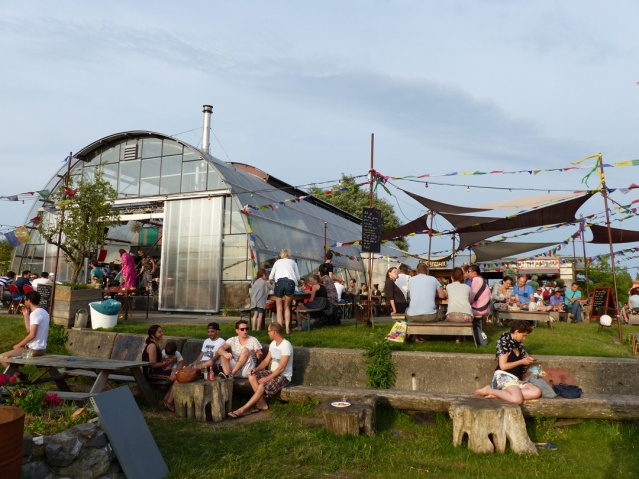 Noorderlicht_Sit-on-the-terrace-or-grass_Photo-by-Conscious-Travel-Guide-Amsterdam