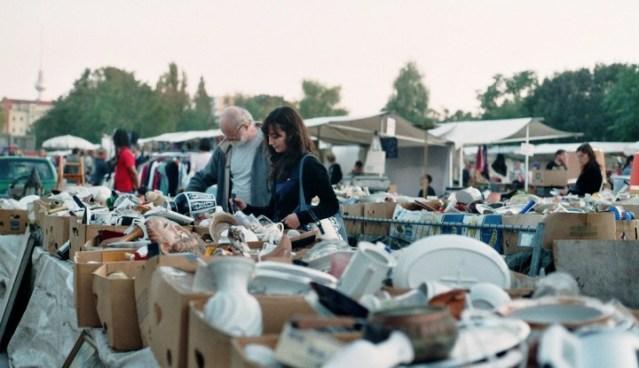mauerpark-flohmarkt-victoria-calligo