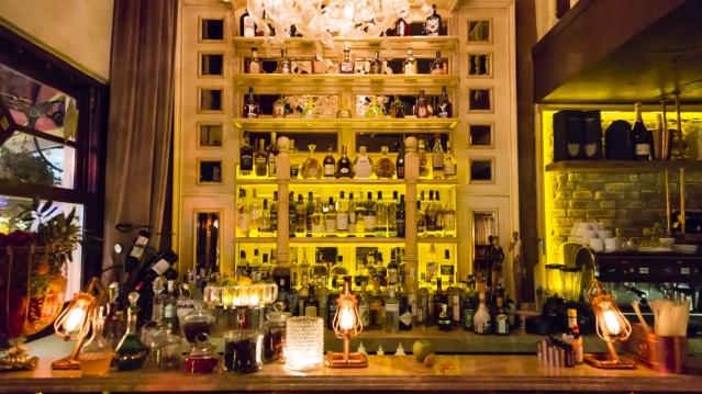 alexandra-cocktail-bar-ic-mekan