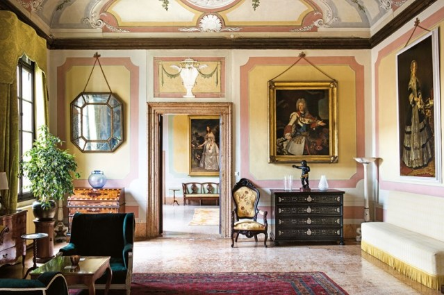 living-room-Apartment-Wagner-Palazzo-contarini-polignac-dorsoduro-venice-conde-nast-traveller-23may16-stefano-scata_810x540