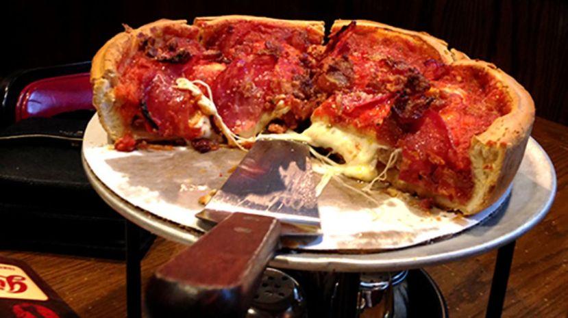 destination-chicago-lou-malnatis-vs-giordanos-tale-two-chicago-pizza-institutions_hero